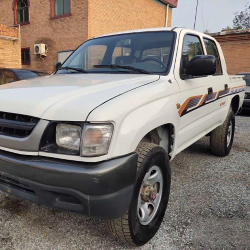 2008 Used Toyota Hilux Pickup Truck, Diesel Engine